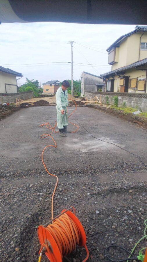 基礎工事編その1防蟻土壌処理です。
